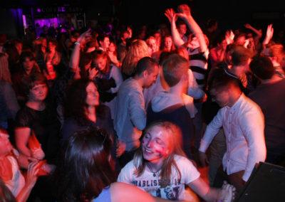 dancing-audience